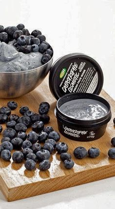 LUSH | Catastrophic Cosmetic Fresh Face Mask