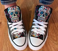 Everyone needs at least one pair of Converse shoes and these sugar skull Chuck Taylors won't disappoint if they're your one and only! Putting the sugar skulls on the tongues is genius as they're easy to spot and bound to be admired. Custom Converse Shoes, Custom Shoes, Converse Design, Converse All Star, Jouer Au Basket, Chuck Taylor Shoes, Skull Shoes, Skull Fashion, Nerd Fashion