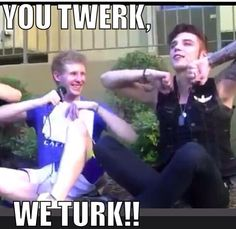 TURKA MAYNE aint got no hands so put ur nubs up in the air nd turk turk turk turka mayne aint got no shirt so hes gonna get sunburn ....best video ever