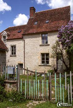 Volets fleuries magnifique maison en pierre et aux volets for Acheter une maison dans le perche