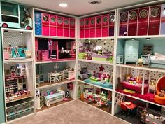 New Diy Baby Clothes Storage American Girl Dolls Ideas American Girl Storage, American Doll House, American Girl Doll Room, American Girl Crafts, American Girls, American Girl Dollhouse, Doll House Price, Doll House Plans, Barbie Doll House
