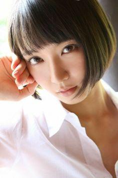 吉岡里帆 Japanese Eyes, Japanese Girl, Beautiful Person, Beautiful Asian Women, Cool Girl, Cute Girls, 1920s Hair, Stylish Girl, Pretty Woman