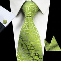 Kravatová sada - kravata + manžetové gombíky + vreckovka so zeleným vzorom Pocket Square Size, Mens Silk Ties, Men Ties, Luxury Ties, Novelty Ties, Wooden Bow Tie, Wool Tie, Green Tie, Man Set