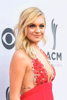 "Kelsea Nicole Ballerini is one of the hottest singer and songwriter in the music industry. Kelsea Ballerini is known for hit songs including ""Peter Pan"", ""Yeah Boy"" etc. American Country Music Awards, Best Country Singers, Country Music Artists, Fake Celebrities, Beautiful Celebrities, Celebs, Beautiful People, Pop Singers, Female Singers"