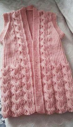 116 Grain Knitted Vest Models All Beautiful Knit Vest Model 13 Crochet Slipper Pattern, Knit Vest Pattern, Crochet Slippers, Baby Knitting Patterns, Knitting Designs, Hand Knitting, Crochet Hooded Scarf, Knit Crochet, Diy Clothes