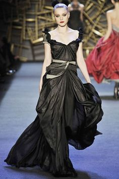 See the complete Zac Posen Fall 2008 Ready-to-Wear collection.