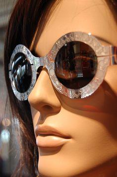 10a8e67623cebc Slav Nowosad   SlavNowosad  lunettes  originales  créateur  designer   optique www.1010votropticien.com
