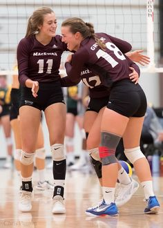 WVB: MacEwan University Griffins vs University of Alberta … | Flickr Girls Volleyball Shorts, Volleyball Senior Pictures, Female Volleyball Players, Women Volleyball, Athletic Models, Athletic Women, Volleyball Inspiration, Beautiful Athletes, Female Pictures