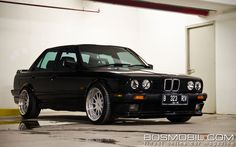 BMW 318i (E30) : More Cylinders, More Power