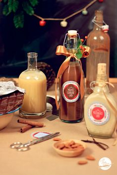 Christmas Food Gifts, Christmas Dishes, Homemade Christmas, Baileys Irish Cream, Beverages, Drinks, Hot Sauce Bottles, Smoothie, Food And Drink
