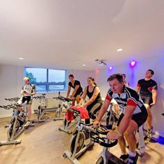 Pedal Studio  http://www.bsp360.com/view/pedal_studio/1/iphone.html