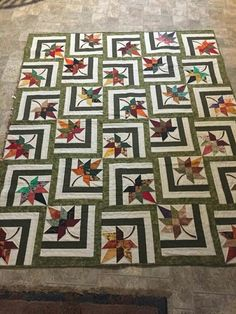 Bester Fall Quilting Patterns Maple Leaves 49 + Ideen Best Fall Quilting Patterns Maple Leaves I Colchas Quilting, Machine Quilting, Quilting Projects, Quilting Designs, Embroidery Designs, Machine Embroidery, Star Quilt Patterns, Star Quilts, Scrappy Quilts
