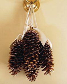 Pinecone Crafts - Decorating With Pinecones