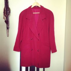 Red coat oversized by Typolove on Etsy, €44.00