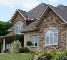 Mountain Ledge Stone, Wiarton Willow Colour - http://www.stonerox.com