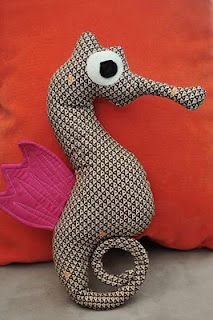 Seahorse Softie tutorial.  great for an underwater kid's themed room. or just because it's awesome.
