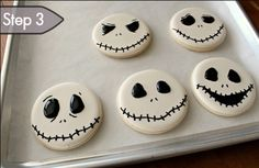Baking Basics: How to decorate sugar cookies - Tutorial! #thecakebar #halloween #dessert #food #kids