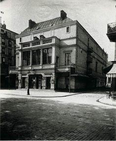 Eugene Atget / Théâtre des Batignolles, Blvd des Batignolles, 1900