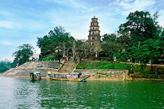 #ThienMu #pagoda #huecity Please like, share, repin or follow us on Pinterest to have more beautiful pictures. http://hoianfoodtour.com/