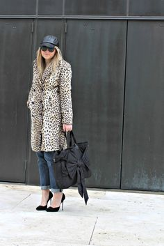 #leoparprint + #leather baseball cap + boyfriend jeans and awesome heels. <3 this look from @bowsandsequins #loveherstyle