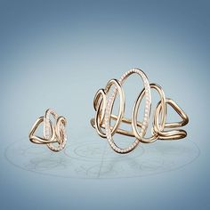 Created to be elegant: interlaced rigid bracelet and ring made of pink gold. White brilliants of Kt. 2.19 and Kt.1.00 perfectly underline the harmony of hues. #crivelli #finejewelry #jewelrydesign #ring #bracelet