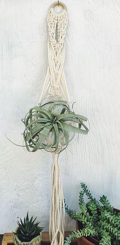 Handmade // Macrame plant hangers // plant holders // macrame wallhanging // bohemian home decor // boho interiors www.LaFortuneartisania.com  @LaFortune_artisania