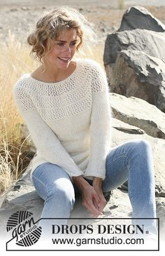 "Autumn Afternoon - Knitted DROPS sweater with lace pattern and round yoke in ""Alpaca"" and ""Kid-Silk"". Size: S - XXXL. - Free pattern by DROPS Design Sweater Knitting Patterns, Crochet Cardigan, Knit Patterns, Free Knitting, Knit Crochet, Finger Knitting, Lace Sweater, Knit Cowl, Knitting Machine"