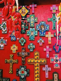Crosses red orange blue Mexican Kitchen Decor, Mexican Home Decor, Mexican Folk Art, Mexican Style, Mexican Decorations, Hippie Chic Decor, Bohemian Decor, Mexican Restaurant Design, Cross Wall Decor