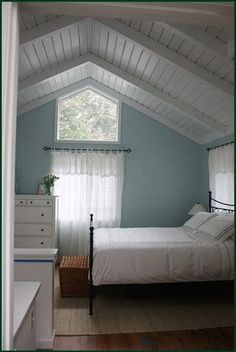 Beach Style Bedroom Ideas - Coastal bedroom ideas, motivation, and creates to develop a coastal, . ideas concerning Bedroom themes, Coastal rooms as well as Beach House Decoration. Cottage Shabby Chic, Beach Cottage Style, Cottage Style Homes, Beach Cottage Decor, Coastal Cottage, Coastal Style, Cottage Ideas, Cozy Cottage, Cottage Living