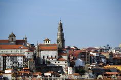 Torre dos Clérigos / Torre de los Clérigos / Tower of the Clerics [2015 - Porto / Oporto - Portugal] #fotografia #fotografias #photography #foto #fotos #photo #photos #local #locais #locals #cidade #cidades #ciudad #ciudades #city #cities #europa #europe #arquitectura #architecture #baixa #baja #downtown #nasoni @Visit Portugal @ePortugal @WeBook Porto @OPORTO COOL @Oporto Lobers