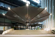 Palaceside Building (パレスサイドビルディング). / Architect : Nikken Sekkei (設計:日建設計).