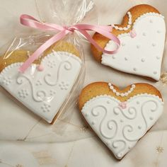 Wedding Cookies : Heart Bride Cookie Favour or Gift