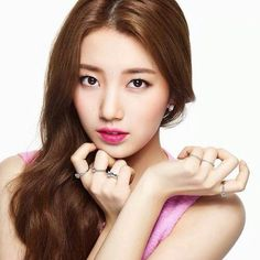 Suzy | hot pink lips