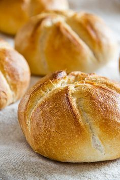 Rich Buttery French Bread Rolls Recipe - How are you today? How about making Rich Buttery French Bread Rolls? German Bread, German Baking, Bread Bun, Bread Rolls, Savoury Baking, Bread Baking, Bread Recipes, Baking Recipes, Kenwood Cooking