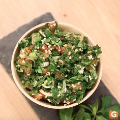 Tabulè: la ricetta originale libanese! Lebanese Tabbouleh, Tabbouleh Recipe, Palak Paneer, How To Dry Basil, Family Meals, Food Videos, Salads, Cooking Recipes, Herbs
