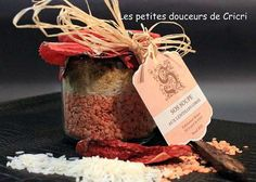 14 cadeaux de Noël à faire soi-même - Guide Astuces Diy Cadeau Noel, Food Hampers, Sell Diy, Diy Projects To Try, Diy Food, Diy Kits, Place Card Holders, Homemade, Gifts