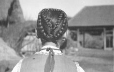 hajviselet Folk Dance, My Heritage, Hungary, Budapest, My Drawings, Braided Hairstyles, The Past, Braids, Costumes