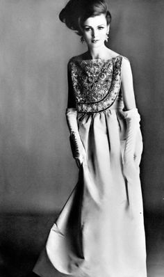 Dorothea in creamy pink taffeta dress with short shield of jeweled embroidery by Lanvin-Castillo, coiffure by Guillaume, photo by Irving Penn, Vogue, 1961 1969 Fashion, Sixties Fashion, Fashion Models, High Fashion, Vintage Fashion, Vintage Style, Irving Penn, Taffeta Dress, Vogue Magazine