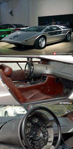 Italdesign Maserati Boomerang concept check out the steering wheel!!