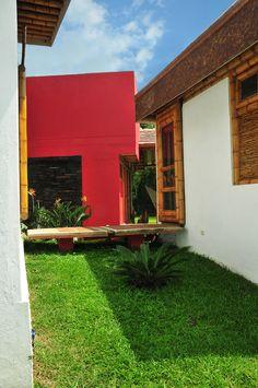 JUEGO DE COLORES Garage Doors, Outdoor Decor, Home Decor, Bamboo Structure, Color Games, Decoration Home, Room Decor, Home Interior Design, Carriage Doors