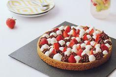 Sablé breton, crémeux chocolat, fraises, chantilly mascarpone façon Fantastik Michalak