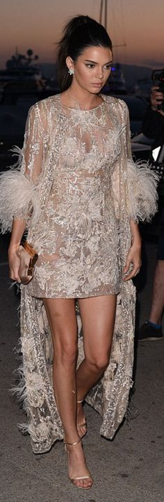 Kendall Jenner in Dress – Elie Saab Purse – Fendi Shoes – Stuart Weitzman - this fur glam ❤️ Kendall Jenner Cannes, Kendall And Kylie Jenner, Star Fashion, Daily Fashion, Fashion Models, Nude Dress, Dress Up, Stuart Weitzman, Jimmy Choo