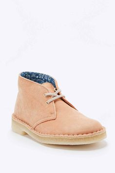 Clarks Desert Boots in Peach - Urban Outfitters