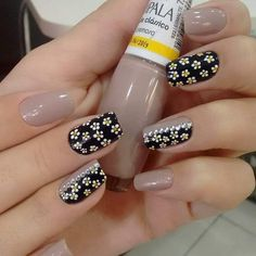 118 creative ways update you mani with yellow flowers nail art Stylish Nails, Trendy Nails, Cute Nails, Karma Nails, Hair And Nails, My Nails, Romantic Nails, Neutral Nails, Flower Nail Art