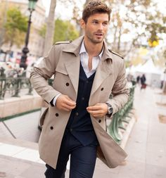 Perfect outfit for this fall. Men's trench coat