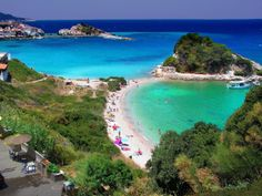 Biz sizi sadece Yunanistan'a götürmüyoruz, sizi ülkenin kültürü ile tanıştırıyoruz. Antik Yunanistan; demokrasi, felsefe, tıp, matematik ve şiirin doğum yeri... Modern Yunanistan ise Nikos Kazantzakis ve Nobel ödüllü Odysses Elytis ile George Seferis gibi sanatçıları dünyaya kazandırmıştır. Yunanistan'ın tarihini keşfederken size bilgiler verecek eğlenceli ve bilgili yerel rehberlerimizle sahil gezilerine çıkabilirsiniz. Bilgi & Rezervasyon 0850 460 88 11