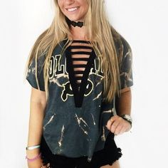 Tremendous Sewing Make Your Own Clothes Ideas. Prodigious Sewing Make Your Own Clothes Ideas. College Shirts, College Outfits, Shirt Refashion, T Shirt Diy, Sewing Clothes, Diy Clothes, Lace Up T Shirt, Game Day Shirts, Make Your Own Clothes