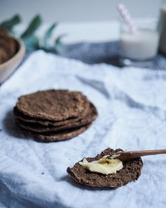 Gluteeniton ja hiivaton hapatettu leipä - nuts for wellness