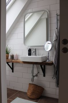 The scandinavian bathroom is the most intimate circulate in your home and it should be treated follo. - Best Home Decorating Ideas - Easy Interior Design and Decor Tips Bathroom Shower Curtains, Scandinavian Bathroom Sinks, Bathroom Flooring, Scandinavian Bathroom, Bathroom Decor, Amazing Bathrooms, Trendy Bathroom, Scandinavian Baths, Laundry Room Storage