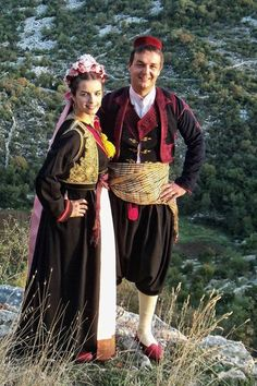 Traditional festive costumes from Dubrovnik/Ragusa (Croatia). Traditional Fashion, Traditional Dresses, Montenegro, Bósnia E Herzegovina, Ukraine, Folklore, Costumes Around The World, Beautiful Costumes, Folk Costume